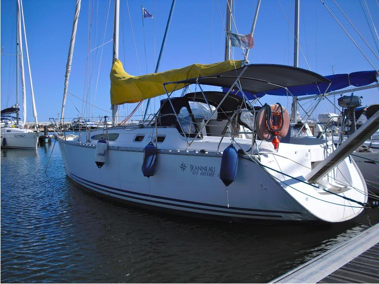 Jeanneau sun odyssey 34 2 in liguria barche a vela usate for Barche al largo con cabine