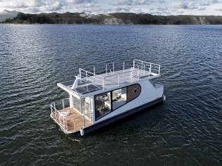 UAB Inter Corpora Relax Boat Apollo 100 Houseboat