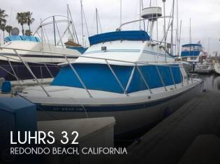 Luhrs 320 Flybridge Cruiser