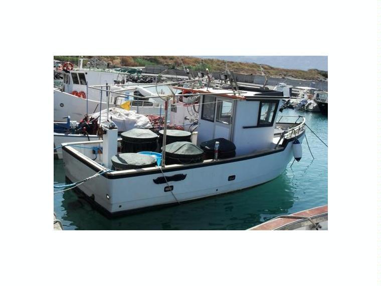 Motopesca cod 235 in emilia romagna barche a motore for Barche al largo con cabine