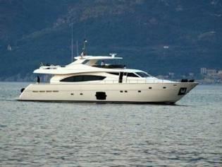 Ferretti Yachts 881 HT