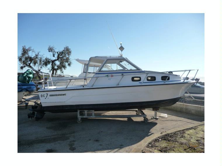 Dc 7 in puglia barche a motore usate 55154 inautia for Barche al largo con cabine