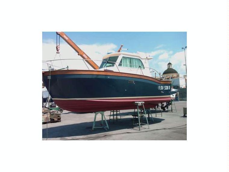 Patrone 25 in toscana barche a motore usate 84856 inautia for Barche al largo con cabine
