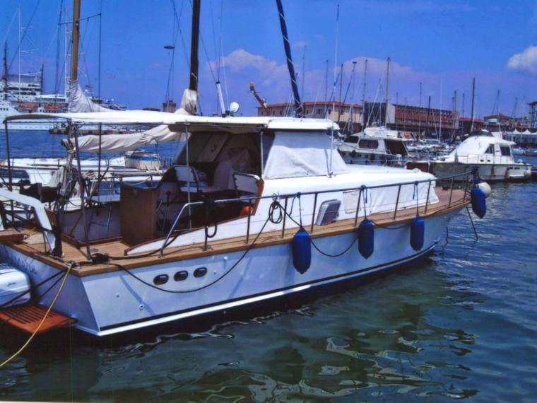 Picchiotti giglio in toscana barche a motore usate 99511 for Cabine di giglio selvatico