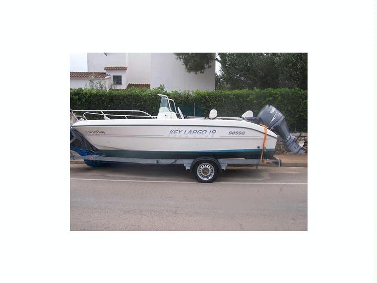 Sessa marine key largo 39 19 in minorca barche a motore for Barche al largo con cabine