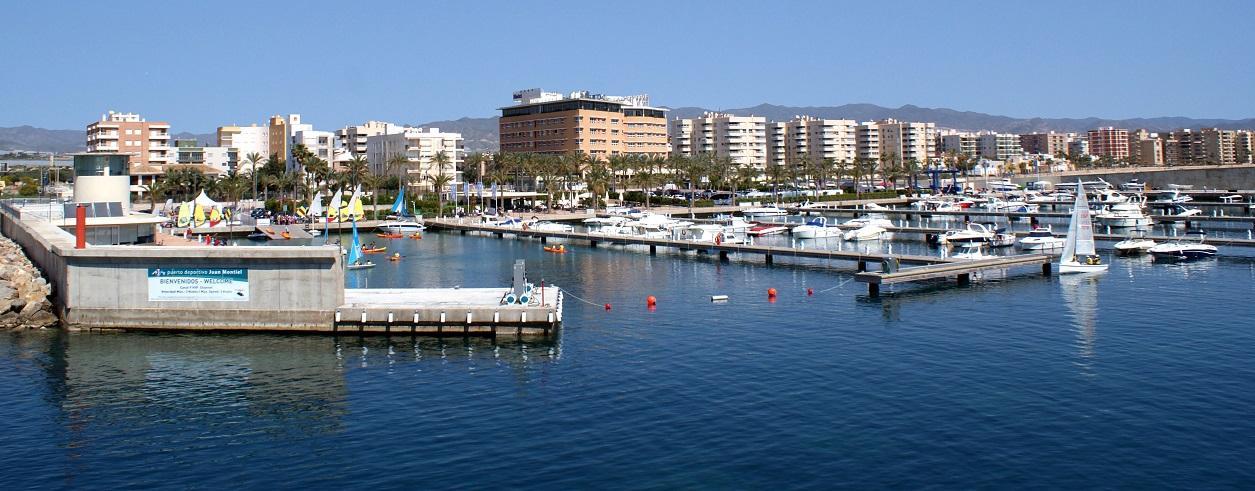 Puerto Deportivo Juan Montiel Foto 1