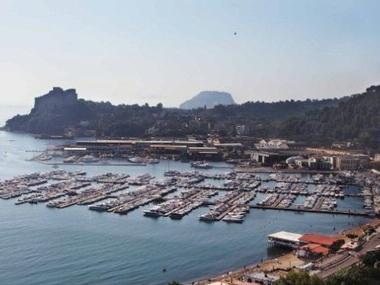 Porto di Baia Campania