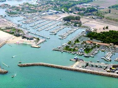 Port de Saint Cyprien Pirenei Orientali