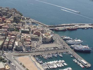 Porto di Pozzuoli Campania