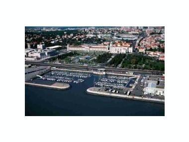 Porto de Lisboa - Doca de Bélem Lisbona