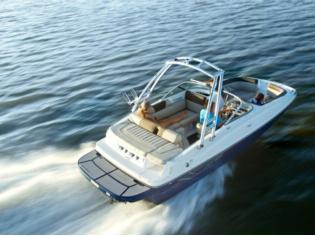Bayliner 195 Deckboat